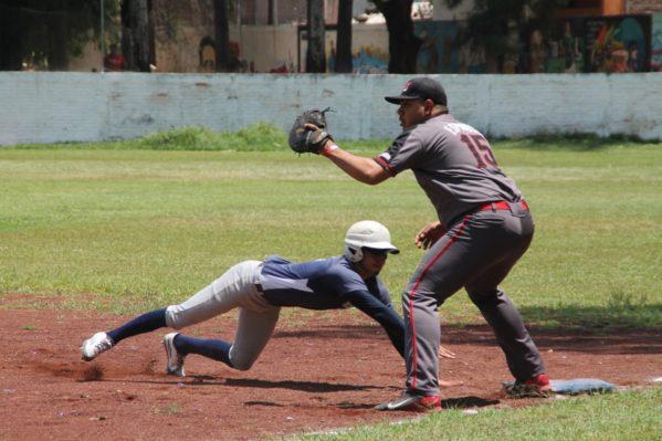 Atecucario encabeza la tabla del torneo de aguas de la Liga de Beisbol de Zamora