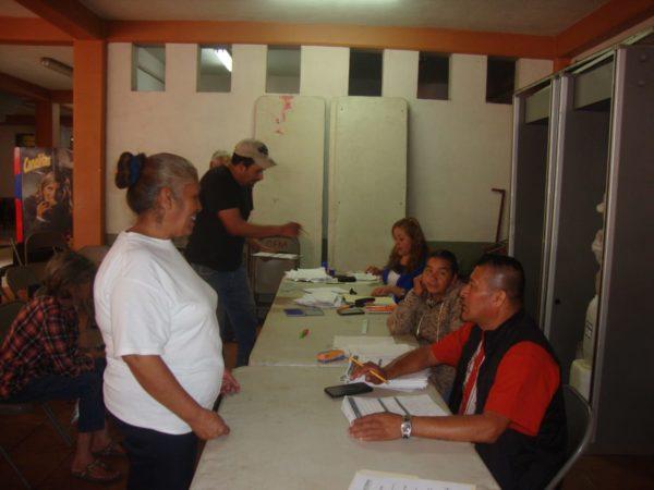 Entregan en Jacona Apoyos del Programa Adultos Mayores
