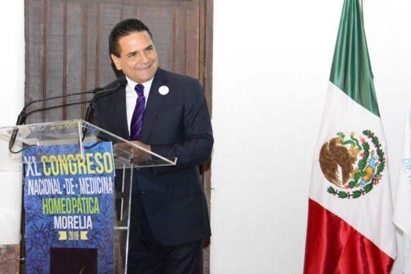 Homeopatía, gran alternativa para acercar salud a michoacanos: Gobernador