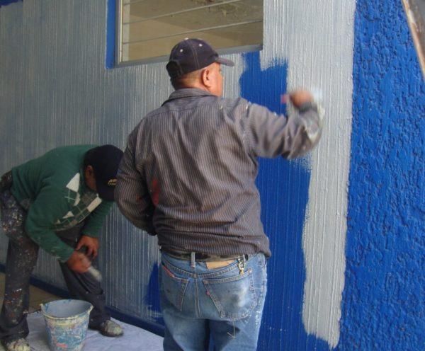 Trabajos de pintura en Unidad Básica de Rehabilitación Jacona