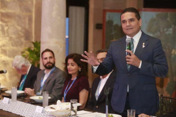 Genera Michoacán condiciones para el desarrollo: Gobernador