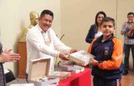 Son entregados paquetes de útiles escolares para primarias y telesecundaria del Municipio de Zamora.