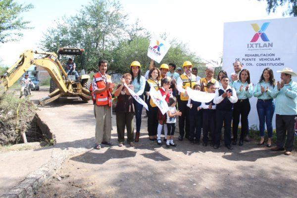 Ángel Macías inició e inauguró obras en beneficio de la población de Ixtlán