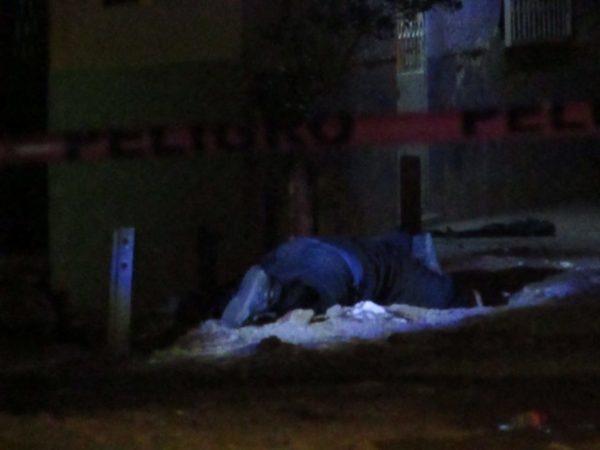 A balazos matan a dos hombres en la colonia La Libertad, Zamora