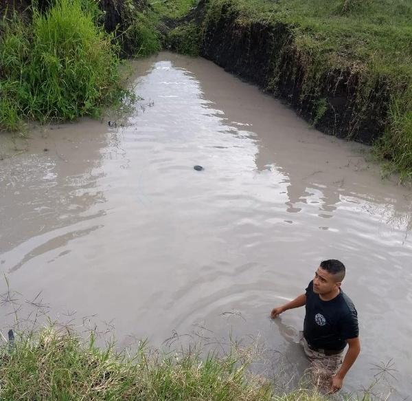 Tragedia en Zamora, niño es hallado muerto en canal de riego