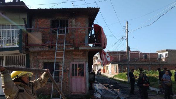 Mujer muere al incendiarse su domicilio en la colonia El Vergel de Zamora