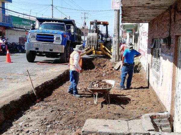 Inicia construcción de baquetas en Juárez Poniente