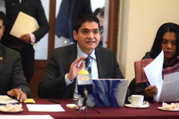 Arturo Hernández respalda desincorporación de inmuebles para saldar adeudos de gobierno estatal
