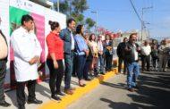Agradecen personal y pacientes nueva banqueta en Centro de Salud