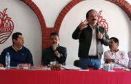 Alcalde pide al Gobernador convoque a ediles de la región