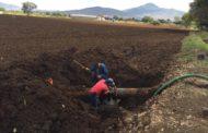 Repara SAPAZ fuga en línea que suministra agua al centro de Zamora