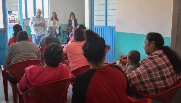 Capacitan a mujeres de Ruiz Cortines en Tangancícuaro
