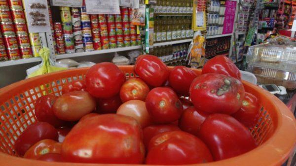 A la alza el precio del jitomate; kilo casi llegó a 50 pesos