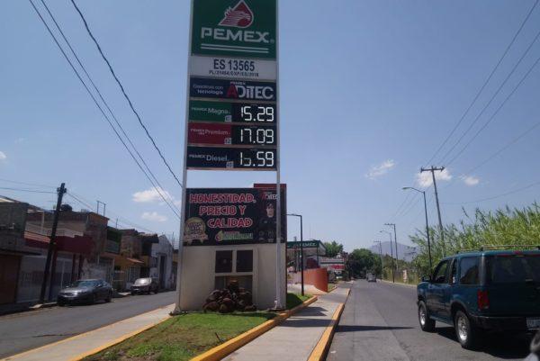 Por debajo de los 15 pesos litro de gasolina regular en estaciones de Zamora