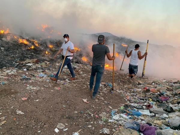 Controlan fuego en el Relleno Sanitario de Ixtlán