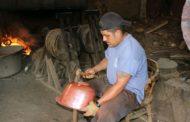 Ya no es redituable fabricar cazos: Artesanos Santa Clara del Cobre