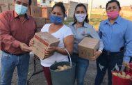 Entrega Martín Samaguey despensas y papas a familias en zonas vulnerables de Zamora