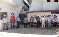 Aprovechan productores zamoranos apoyo en fertilizante