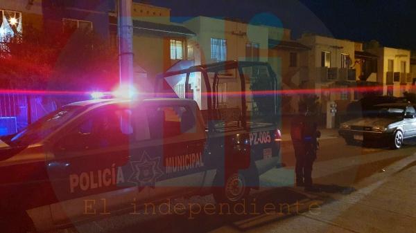 Automovilista es asesinado a tiros frente a su vivienda en el Fraccionamiento Altamira