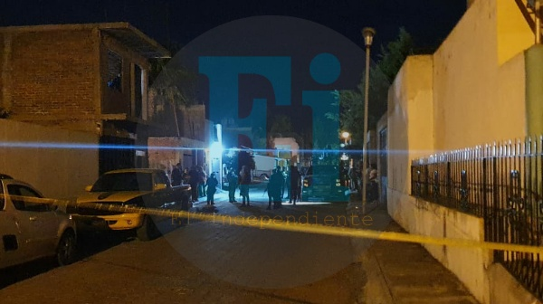 Matan a hombre en casa de Monte Olivo y huyen en una moto