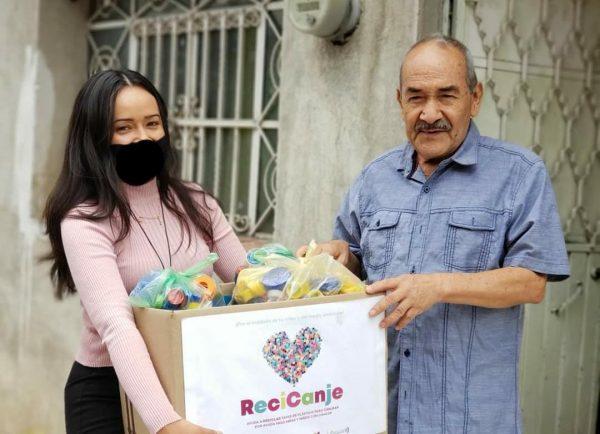 A donar tapitas en beneficio de personas que padecen algún tipo de cancer: Alejandra Origel.