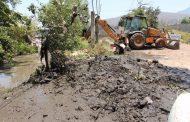 Piden a población evitar invasión en drenes y canales; riesgo es latente