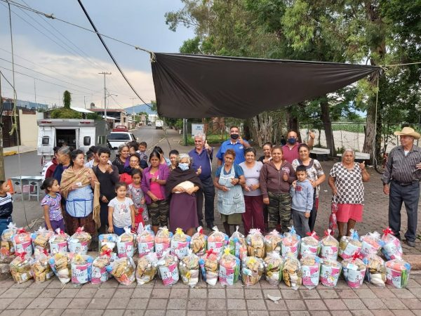 Completan entrega de apoyos alimenticios en colonias y comunidades