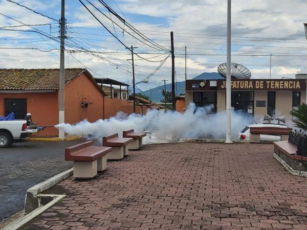 Refuerzan combate al dengue con fumigaciones en comunidades