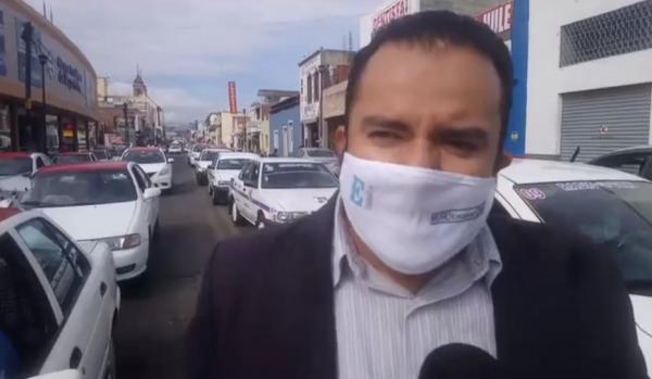 Invasión de rutas y posible ingreso de UBER ocasiona bloqueo de calles