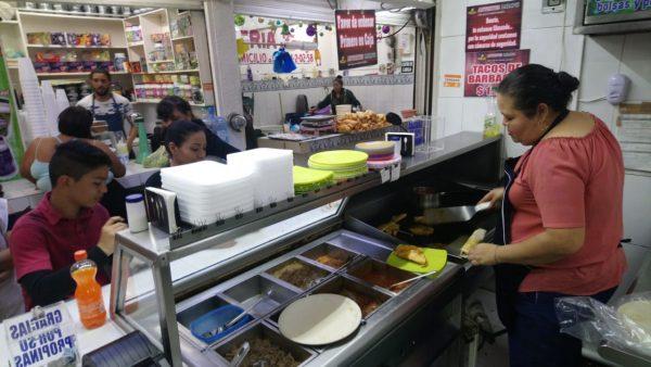 Mitad de restauranteros cumple con medidas COVID; esperan que el resto lo haga