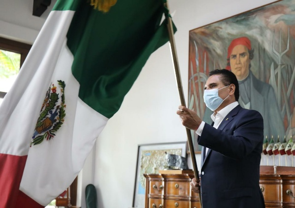 La mejor manera de festejar nuestra identidad, es cuidándonos: Silvano Aureoles