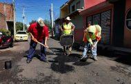 Constante programa de mantenimiento a vialidades en Zamora