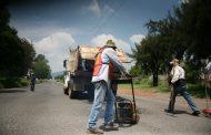 Adriana continúa con trabajos de bacheo y reposición de pavimento para mejorar las vialidades de Jacona