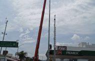 Colocamos 9 mega postes más en cruceros importantes del municipio