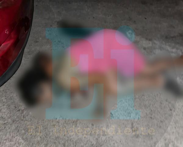 Mujer muere en ambulancia tras ser baleada en Jardines de Catedral