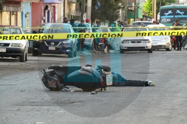 Motociclista es ultimado a balazos sobre la avenida Juárez