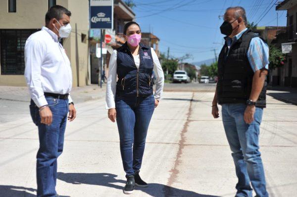 Reaperturan la circulación de calle Madero en Jacona, tras rehabilitación de pavimento