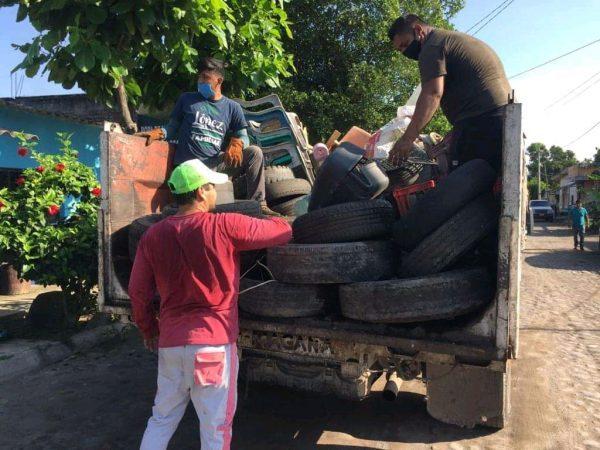 Vecinos de colonias populares los que más se resisten a descacharrizar