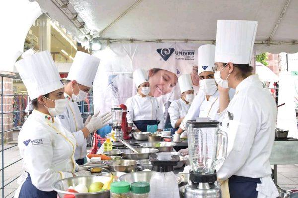 """""""Cocineras tradicionales no son competencia, son nuestro complemento"""": Chef"""