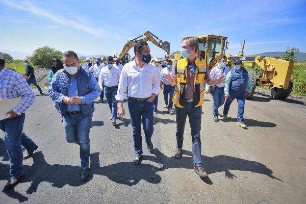 Supervisa Carlos Herrera avance del tramo Zamora-Ecuandureo
