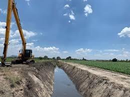 Rehabilita Gobierno de Michoacán 19 km de caminos saca cosechas en Ixtlán