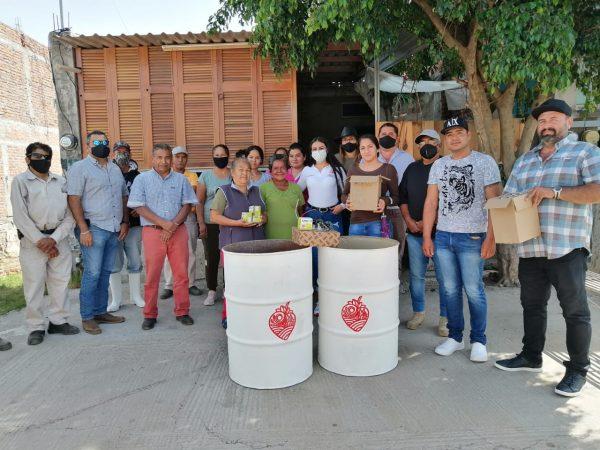 Rehabilitan Alumbrado y Espacios Recreativos en Estancia de Amezcua y Javier Acuña
