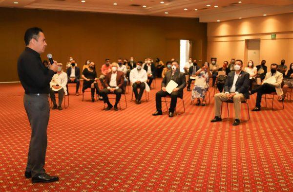Sector salud, ejemplo de amor y servicio por Michoacán: Carlos Herrera