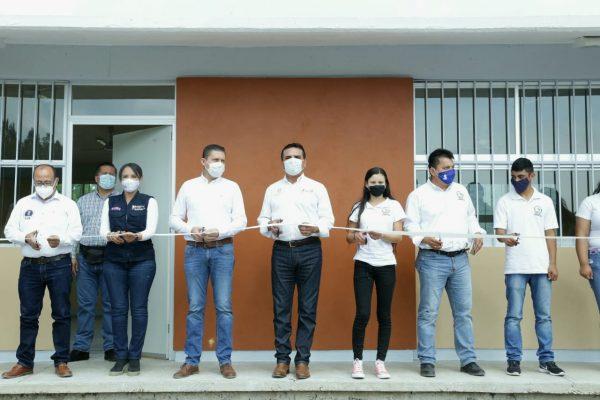 Construyen nueva escuela a jóvenes de Chinicuila