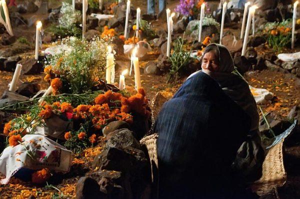 Noche de muertos en Michoacán, con restricciones y sana distancia
