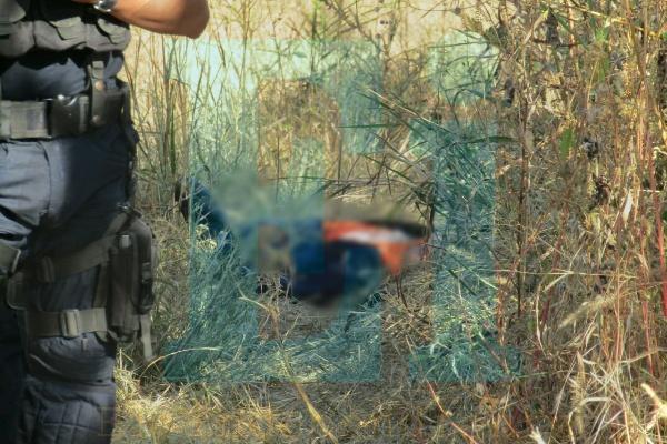 Hallan cadáver baleado de un muchacho desconocido cerca del Libramiento de Zamora