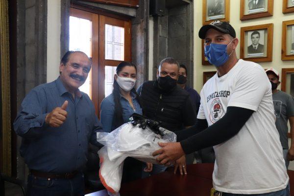 Estrena equipo a personal del Rastro Municipal de Zamora