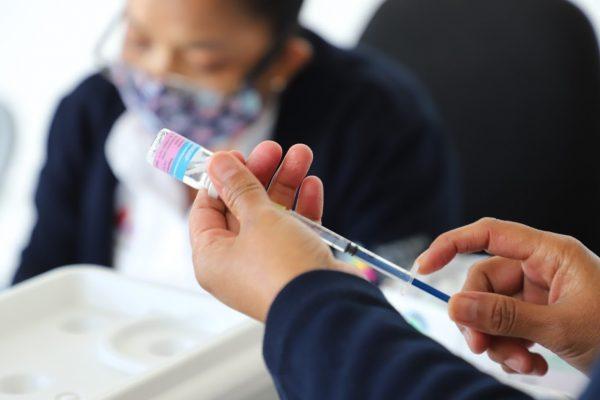 Llama SSM a grupos de riesgo a vacunarse contra Influenza