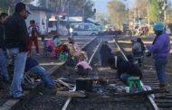 Severos daños a la industria generan bloqueo a vías del tren