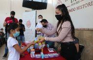 Entrega DIF Zamora becas para menores trabajadores